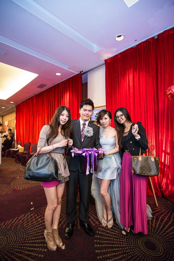 wedding0504-633.jpg