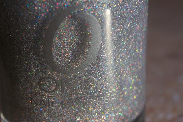 06-naomi-209-orlyprisma-gloss-silver