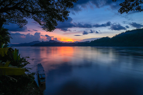 sunset mountain nature river landscape day cloudy wideangle laos mekong luangprabang 24105mm louangphabang