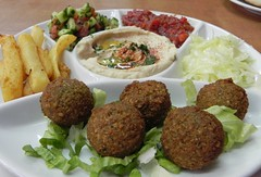 hors d'oeuvre(0.0), kibbeh(0.0), frikadeller(0.0), veggie burger(0.0), produce(0.0), meatball(0.0), meal(1.0), fried food(1.0), kofta(1.0), cutlet(1.0), food(1.0), dish(1.0), cuisine(1.0), falafel(1.0),