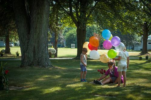 [9 years] releasing balloons
