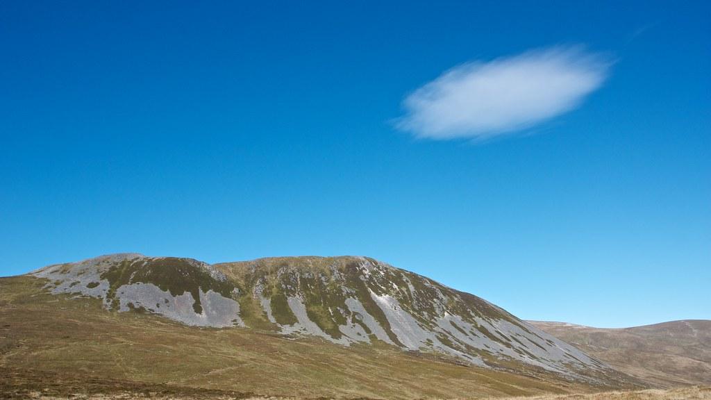 Lone Cloud above Creag Leacach