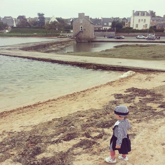 Aller à la plage en pull en Bretagne fin octobre c'est irréel.  #paimpol #bretagne #bzh #vacances