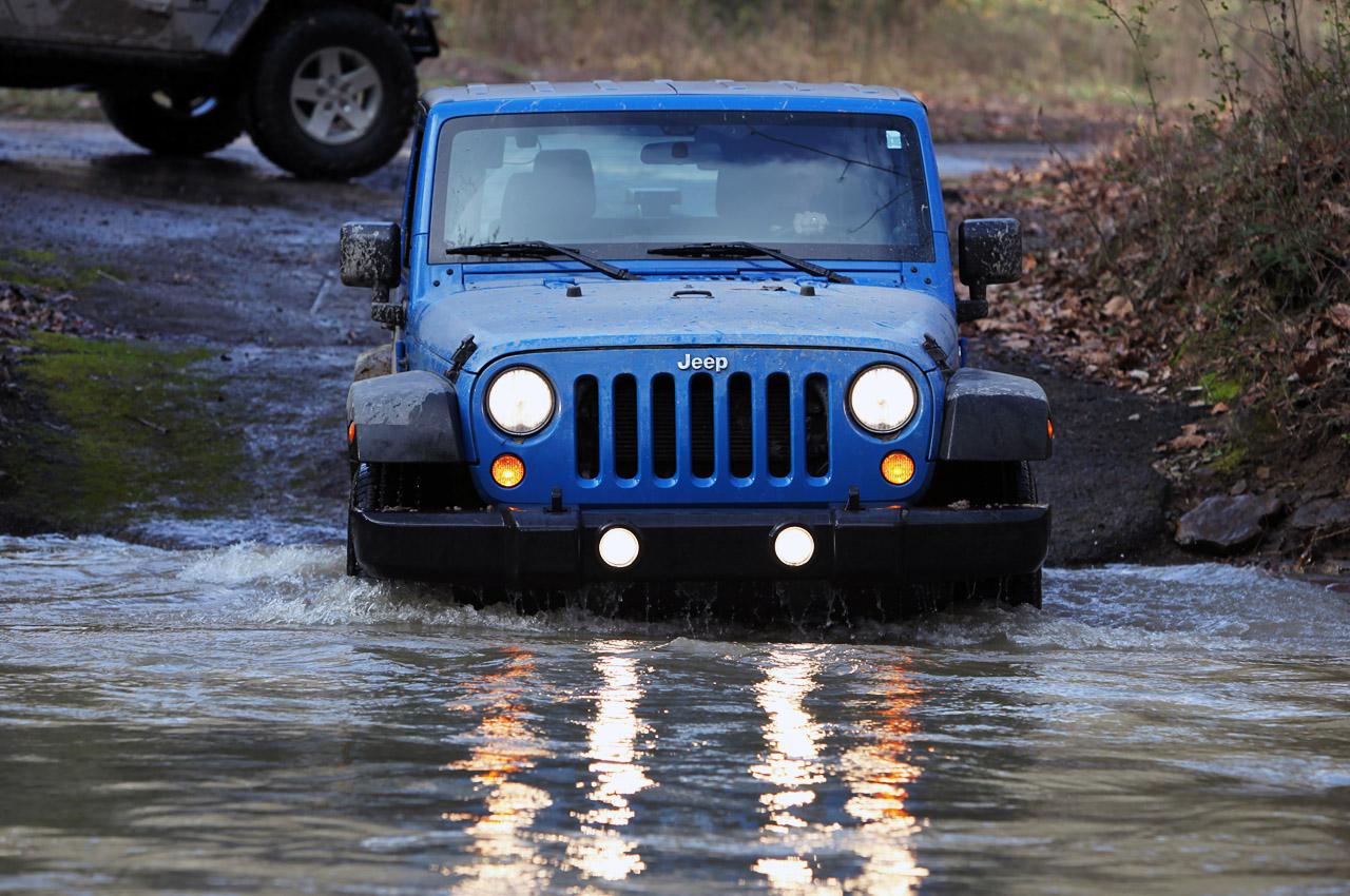 32-2012-jeep-wrangler-sport-review