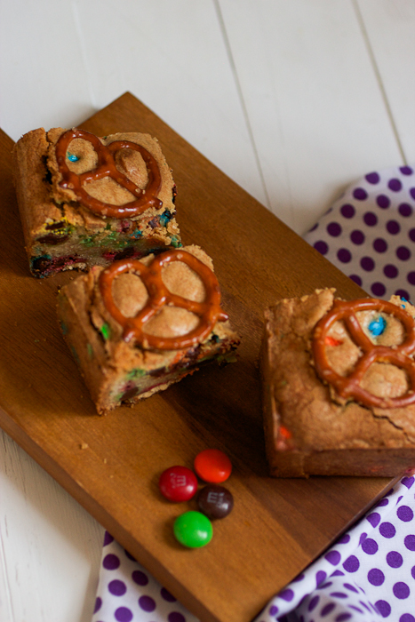 M&M and Pretzel Cookie Bars #BakingIdeas #shop #cbias
