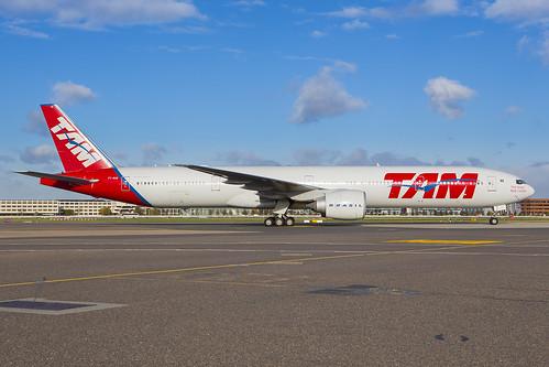 PT-MUB - TAM Brasil Boeing 777 at London Heathrow (LHR)