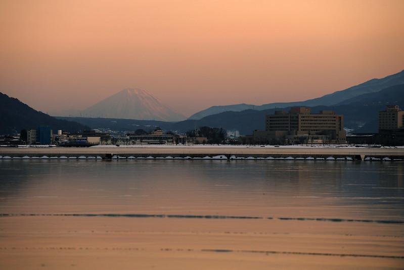 諏訪湖、冬の夕景