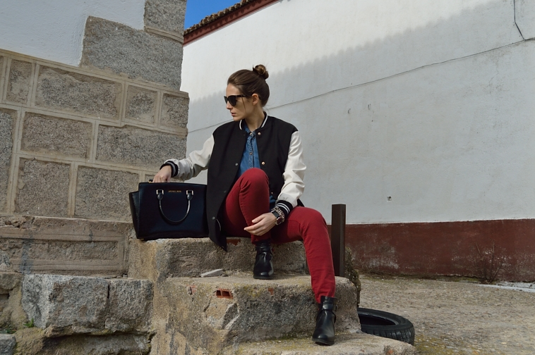 lara-vazquez-madlula-blog-burgundy-denim-bomber