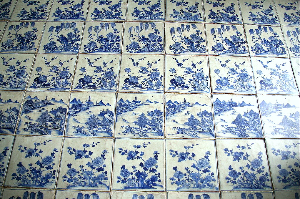 18th centuary Chinese tiles inside the synagogue