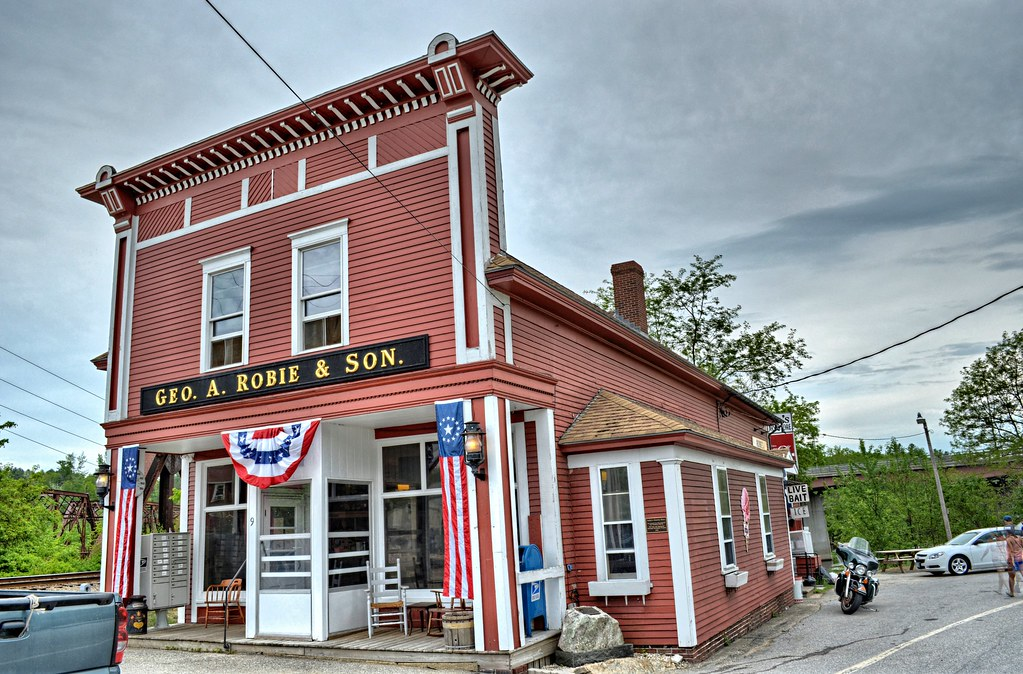 Robie's Country Store - Hooksett NH