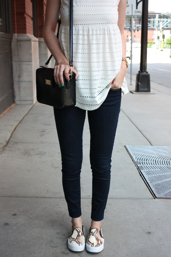 chelsea+lane+zipped+truelane+blog+minneapolis+fashion+style+blogger+urban+outfitters+babydoll+levis+535+legging+steve+madden+tnyc+blonde+salad+mellow+world+kelly4