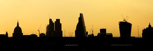 panorama london silhouette skyline sunrise skyscrapers widescreen silhouettes panoramic photo24london uklondonphoto24skylineatsunrisepanoramadsc9888