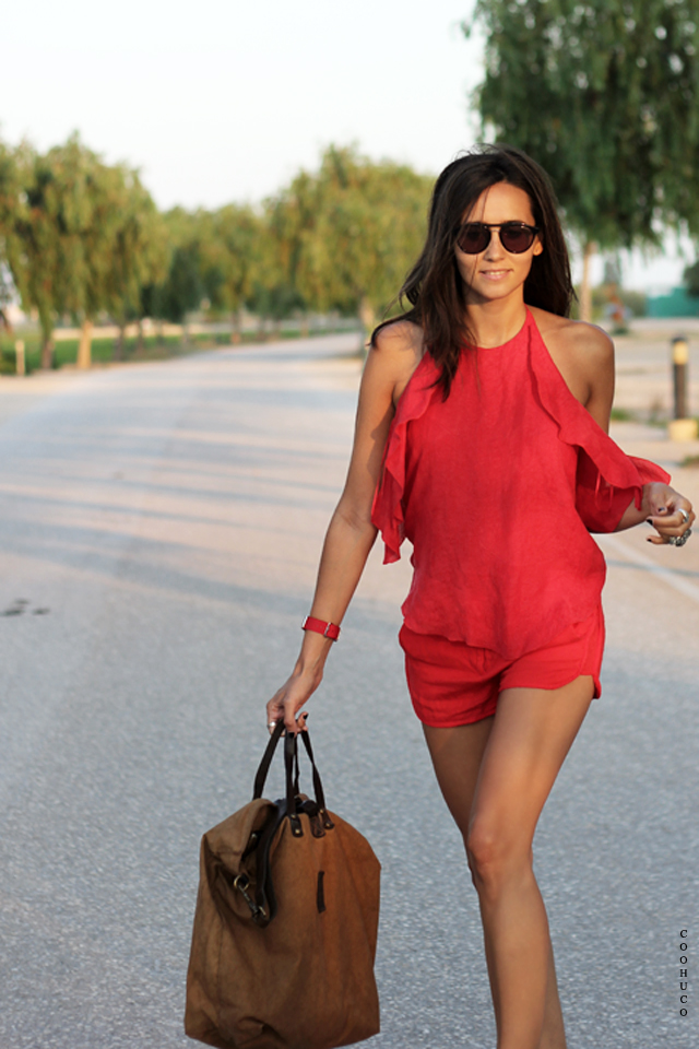 woman red dress coohuco 2