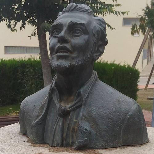 Monumento a Miguel Fleta #tenorfleta #miguelfleta en su pueblo natal #albalatedecinca mi pueblo #igersaragon #igerszgz #huesca #sinfiltros