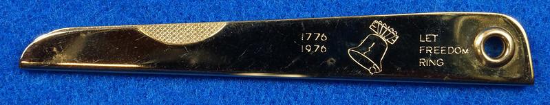 RD14785 Vintage 1976 Liberty Bell Let Freedom Ring Gold Tone Nail File by Bassett USA DSC06651