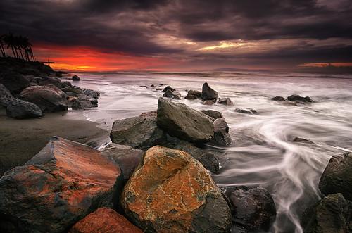 sky bali cloud sun seascape motion sunrise indonesia landscape nikon rocks cloudy hard wave tokina filter lee nd splash graduated waterscape gnd 1116mm ketewel manyar d7000