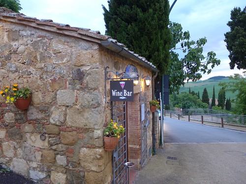 Wine Bar in Montichiello