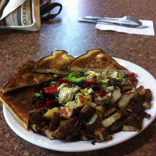 Tofu scramble at B's Diner #yegfood by raise my voice