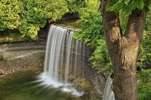 longexposure summer ontario water waterfall afternoon shadows view sunny manitoulinisland bridalveilfalls lakehuron vantage northernontario northchannel niagaraescarpment 8seconds kagawong neutraldensityfilter colorefex nd110 mudgebay niksoftware plungewaterfall detailextractor kagaongriver