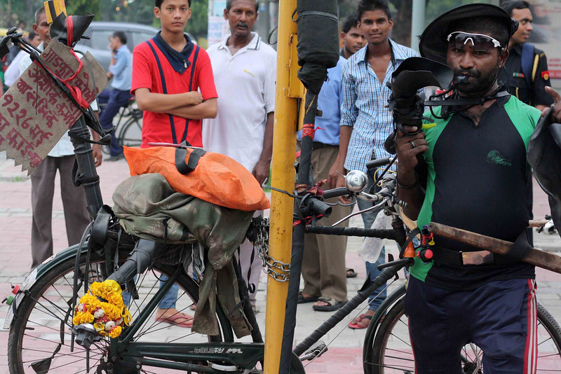 Mission Delhi – Ashok Kumar, Near Sai Baba Temple