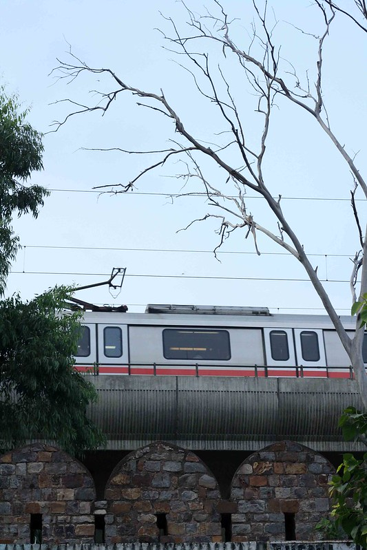 Delhi Metro - Trainspotting, Around Town