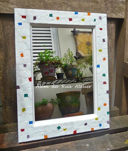Espelho com moldura de mosaico