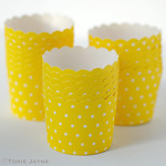 Yellow & white spot baking cups