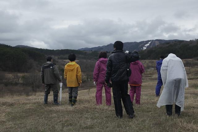扇谷の上から千町原を望む.191スキー場の雪も,ずいぶん少なくなった.