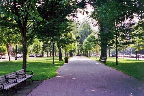Commonwealth Ave Mall (by: Wally Gobetz, creative commons)