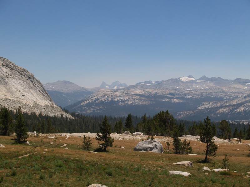 Banner and Ritter left of center, Mounts Lyell and McClure on the right, from the Young Lakes Trail