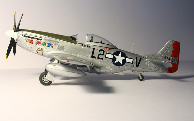 airfix 1 72 p 51d mustang pin up girl p 51d pin up girl 4 flickr photo sharing. Black Bedroom Furniture Sets. Home Design Ideas
