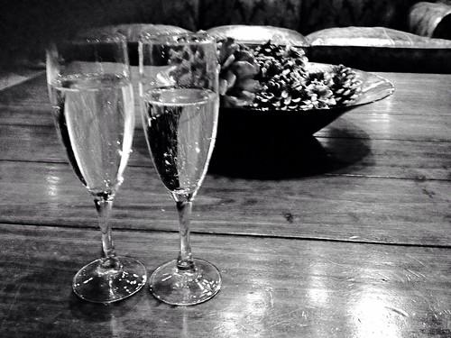Champagne bw