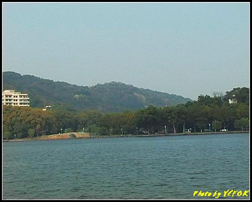 杭州 西湖 (其他景點) - 468 (西湖白堤上的孤山旁的西冷橋與慕才亭 亦是白堤的出口 白堤全長2.2公里)