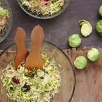 kelbimbó-saláta kölessel