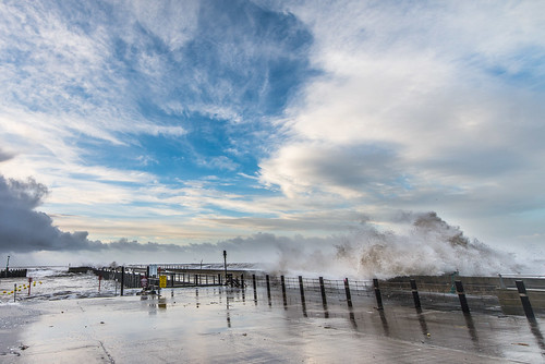 morning winter sea cloud storm nature sunrise pier am waves power natural wind harbour wave windy stormy dorset bridport westbay ukstorm potd:country=gb
