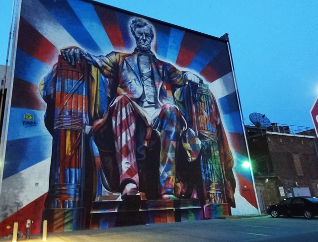 giant-abe-lincoln-mural