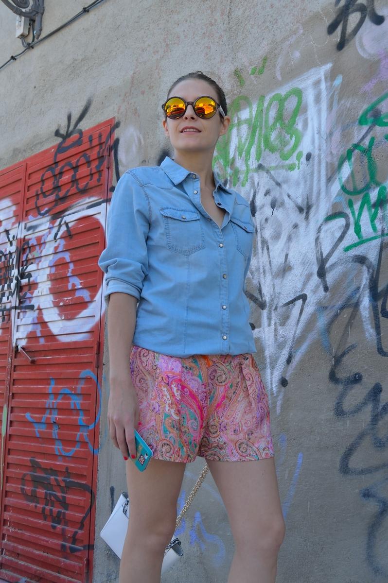 lara-vazquez-madlula-blog-style-streetstyle-mirrored-shades-colourful-look