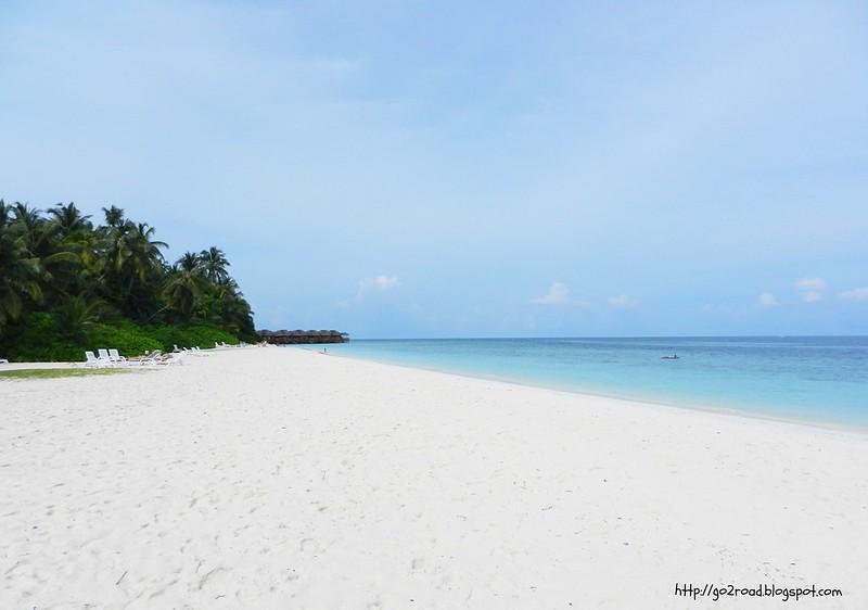 На Мальдивах пляжи с коралловым песком - мелким, как мука