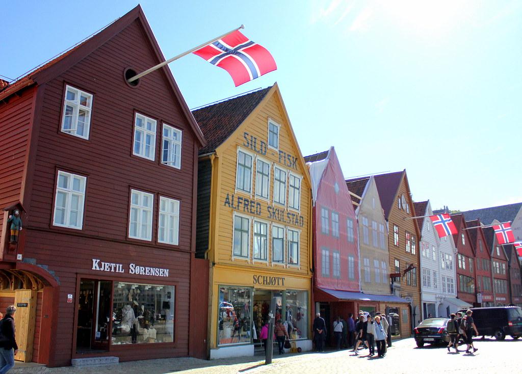 bryggen-shophouses