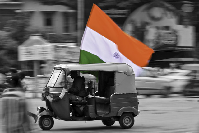 Indian_Independence_Day_Autorickshaw_National_Flag_tricolor