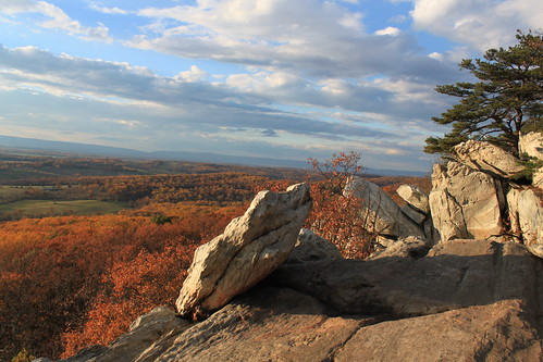 Bull Run Mountain - Rocks and View at High Point Overlook