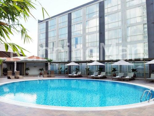 Movenpick Hotel 04 - Swimming Pool