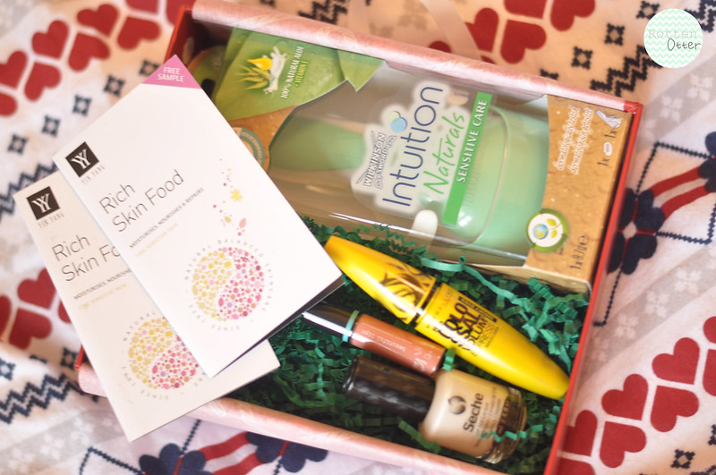 glossybox monthly beauty subscription december rottenotter rotten otter blog 1