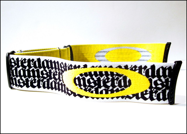 oakley strap goggles