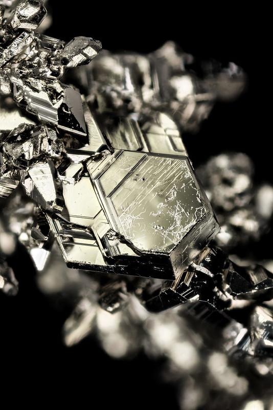 titanium_crystals_2