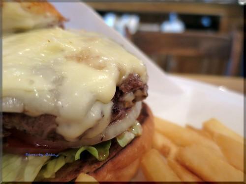 Photo:2014-01-26_ハンバーガーログブック_【広尾】BurgerManiaHiroo Newsです!本年初訪問で伺ったのは新店舗の話!-11 By:logtaka