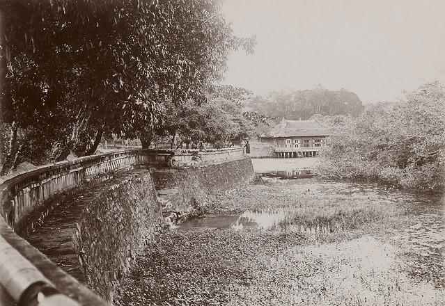 Hué – Les pavillons du Trône, dans les jardins du tombeau de Tu-Duc