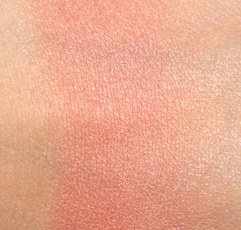 IsaDora 82 coral island twist-up blush & go swatch