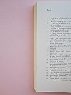 Come finisce il libro, di Alessandro Gazoia (Jumpinschark). minimum fax 2014. Progetto grafico di Riccardo Falcinelli. Elenco delle uscite nella collana e altre della casa editrice: a pag. 212 e seg. (part.), 1