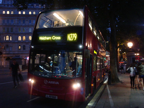 Arriva London T235 on Route N279, Trafalgar Square